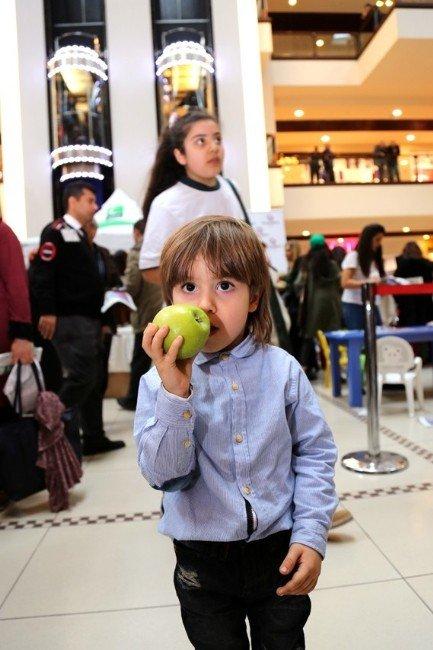 Küçükçekmece'de Yeşilay Haftası'na Özel Etkinlik