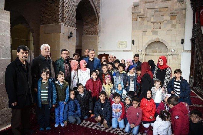 Malatya Büyükşehir Belediyesi'nden 'Ailecek Camideyiz' Etkinliği