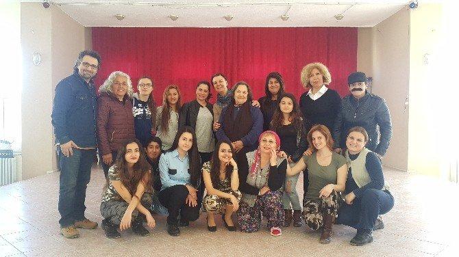 Seferihisar'da Kadınlar Sahnede