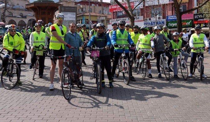 Bağımlılığa Karşı 200 Bisikletli Pedal Çevirdi