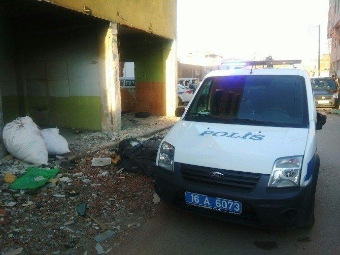 19 Yaşındaki Genç Metruk Binada Bıçaklanarak Öldürüldü