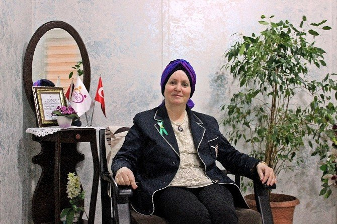 Kanser Hastalarının Nihal Ablası