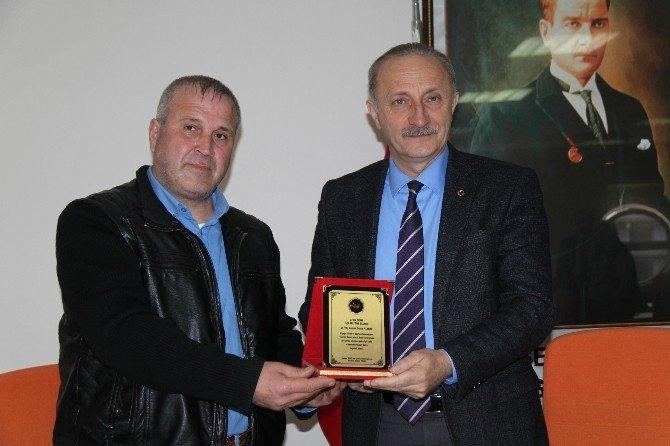Alpagu Yöneticilerinden Başkan Atabay'a Teşekkür Şilti..