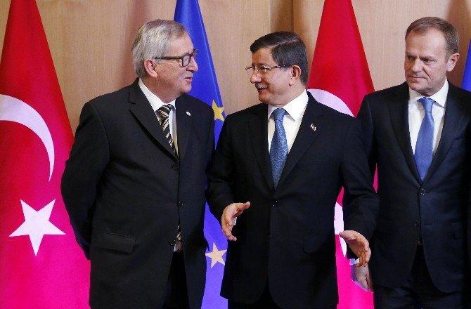 Davutoğlu AB Liderleriyle Dörtlü Görüşmede Bir Araya Geldi