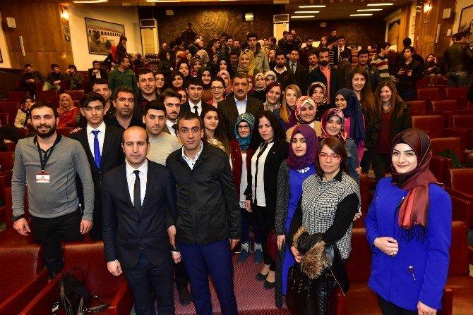 Gürkan, Gençlerle Bir Araya Geldi