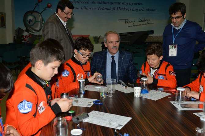 Küçük astronotlar 'Mars'ta bir gece' geçirdi