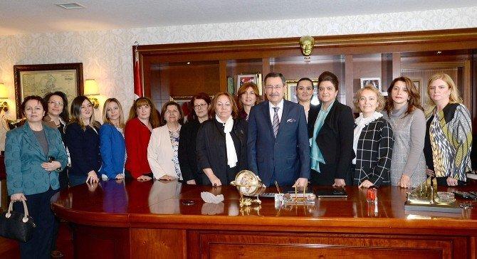 Gökçek Kadın Bürokratlarla Bir Araya Geldi