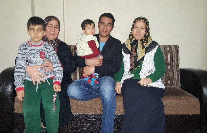 15 Yaşında Evlendi, 19 Yaşında Dul Kaldı, 4 Çocuğunu Yalnız Büyüttü