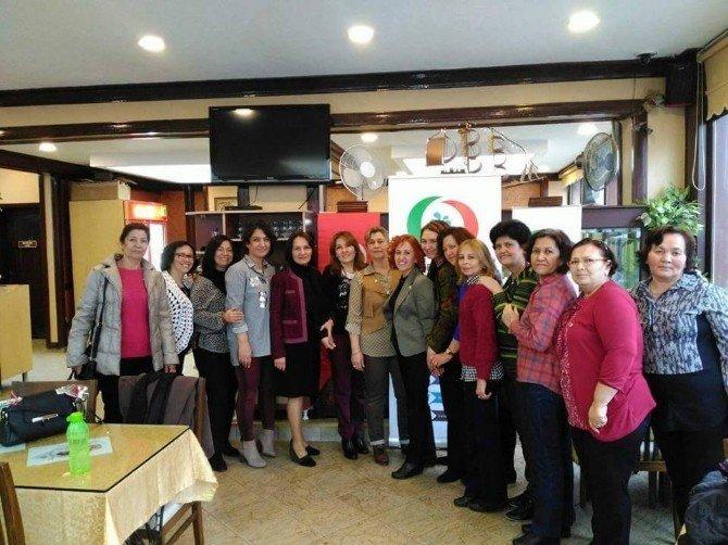 Eskişehir'deki Çiftelerli Kadınların Dünya Kadınlar Günü Kutlaması