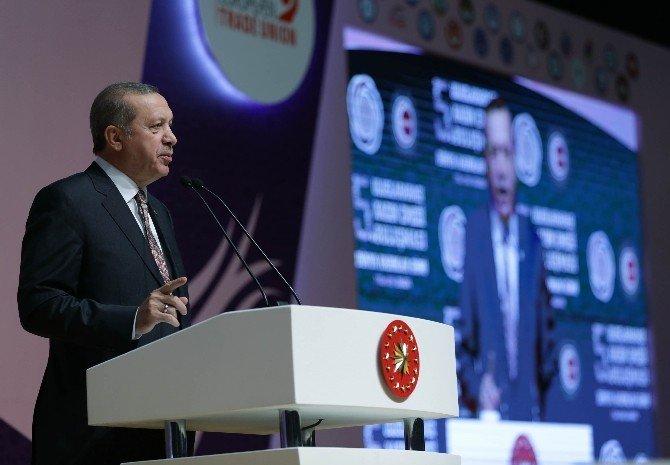 Cumhurbaşkanı Erdoğan'dan CHP'li Belediyelerin Afişlerine Sert Tepki