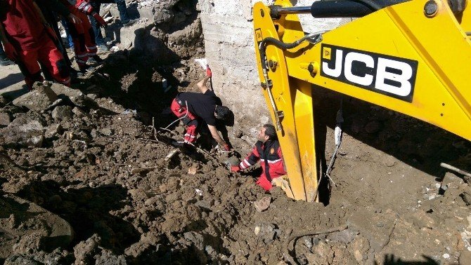 Büyükşehir'in Cizre'deki Çalışmaları Sürüyor