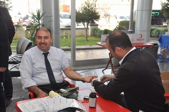 Muhasebe Haftasında Muhasebecilerden Kan Bağışı