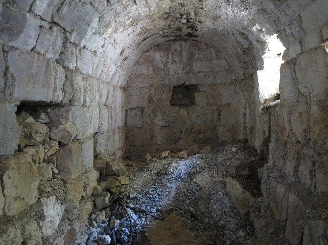 Tarihi Kaleye Gezi Düzenlendi