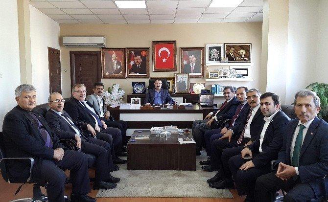 İHL Mezunlarından AK Parti'ye Ziyaret