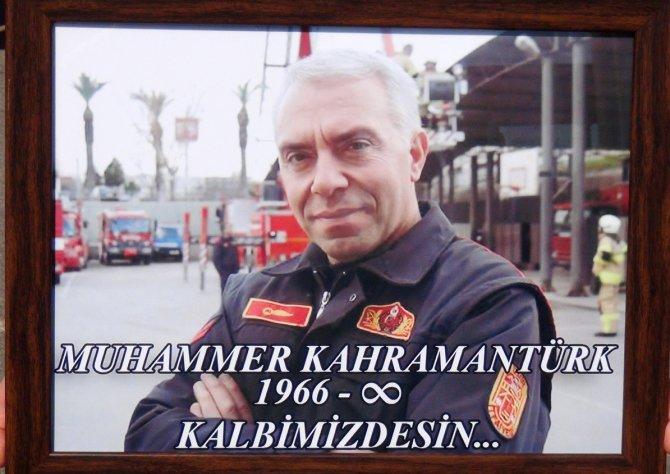 Yangına müdahalede hayatını kaybeden itfaiyeci son yolculuğuna uğurlandı