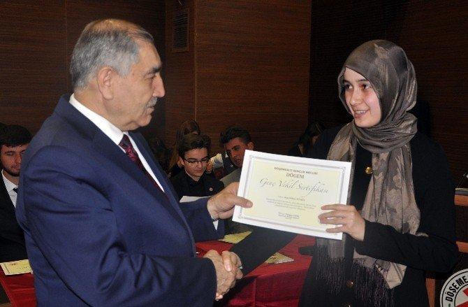 Kadınlar, Döşemealtı Gençlik Meclisinde Yüzde 50'yi Yakaladı