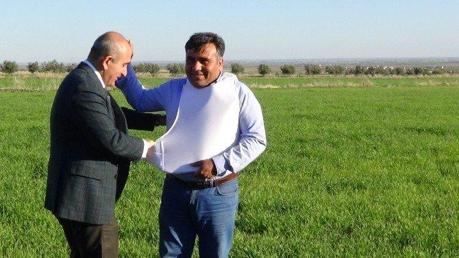 Başkan Kara'dan Sınır Hattında Görev Yapan Gazetecilere Çelik Yelek