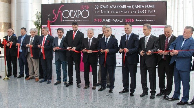 Ayakkabı Sektörünün Kalbi İzmir'de Atıyor
