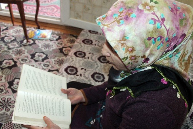 Babası Okutamadı, Kendi Çabasıyla Okuma Yazma Öğrendi