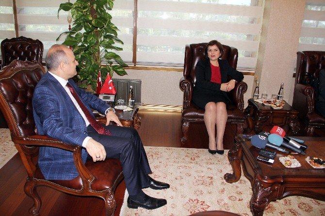 KKTC Dışişleri Bakanı Emine Çolak Mersin'de