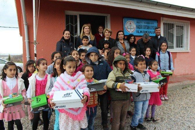 '7 Bölge 700 Çoçuk' Kampanyası Kapsamında Öğrencilere Yardım Yapıldı