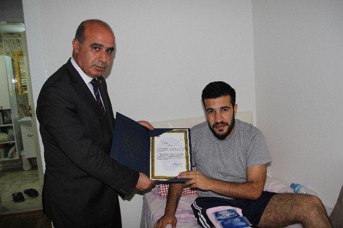 Yaralı Polise 'Geçmiş Olsun' Ziyareti