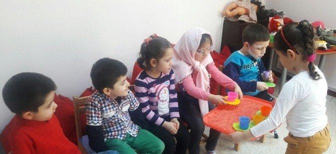 Pursaklar Belediyesi Nezaket Okulları Geleceğin Hanımefendisi Ve Beyefendisini Yetiştirmeye Devam Ediyor