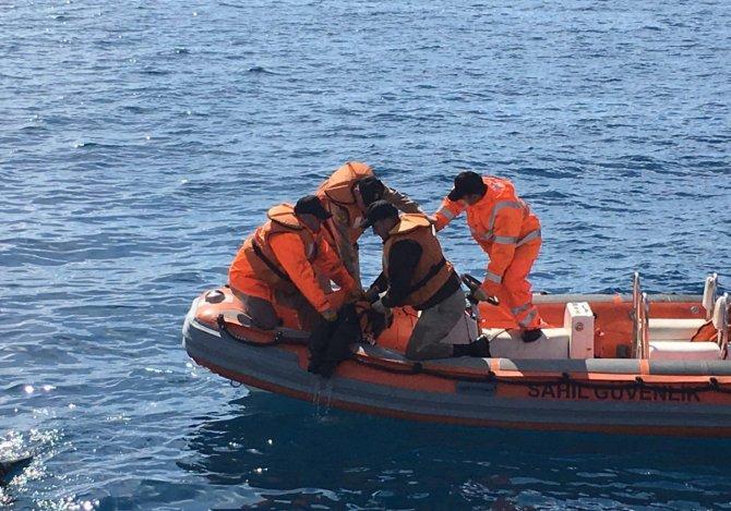 Göçmenlerin kurtulma anları kameralarda