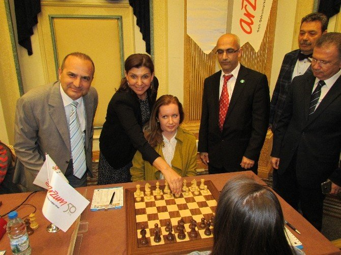 Arzum Türkiye Kadınlar Satranç Şampiyonası, Çeşme'de Başladı