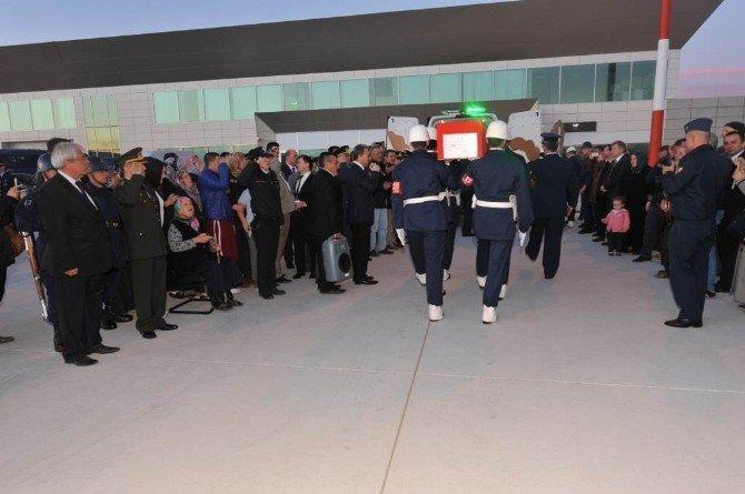 Şehit Uzman Çavuş İbrahim Tetik'in Naaşı Memleketi Kütahya'da Törenle Karşılandı
