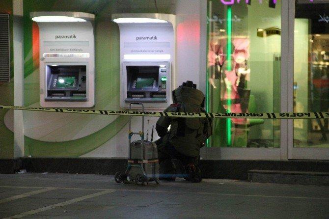 Banka Önünde Şüpheli Çanta Paniği