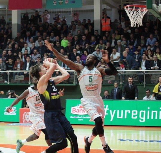 Banvit Basketbol: 76 - Fenerbahçe: 75