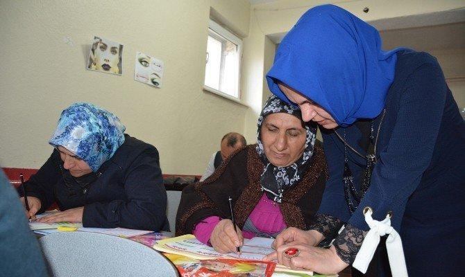Tatvan'daki Okuma Yazma Kurslarına Yoğun İlgi