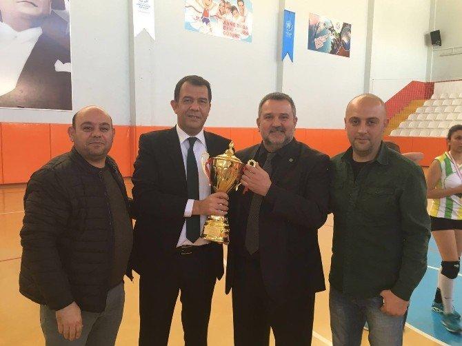 Msk Urfa Bayan Voleybol Takımı 3. Lige Yükseldi
