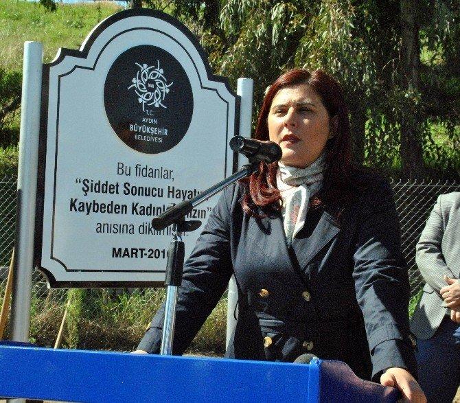 Bayan Başkan, Şiddet Kurbanı Kadınlar İçin 300 Fidanı Toprakla Buluşturdu