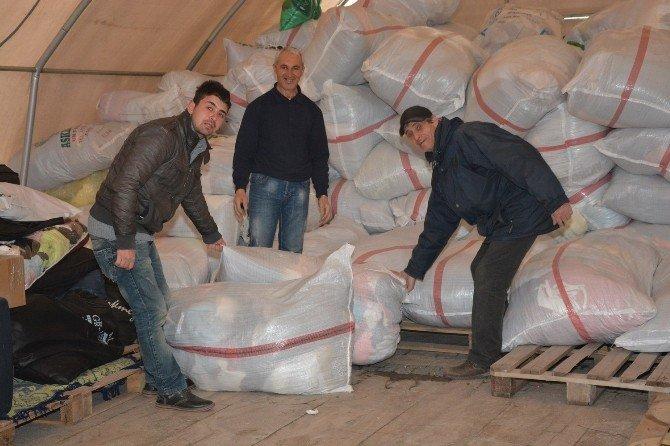Uşak'tan Bayırbucak Türkmenlerine İki Tır Daha Yardım Gitti