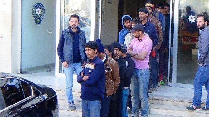 Bodrum'da 20 Göçmen Yakalandı