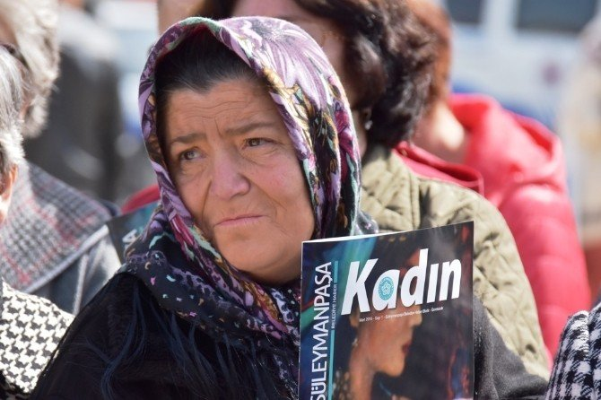 Emekçi Kadınlar Çelenk Töreni İle Anıldı