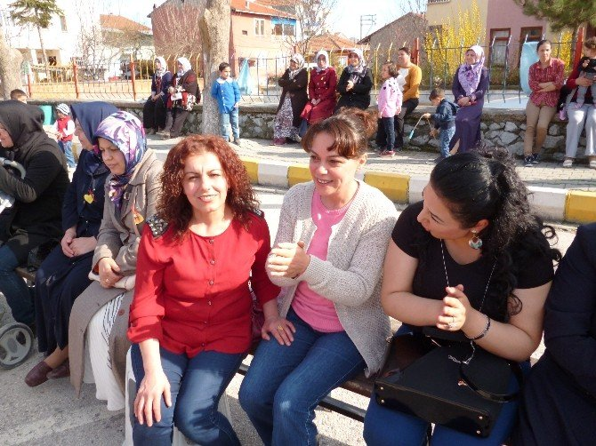 8 Mart Dünya Kadınlar Günü Turhal'da Kutlandı