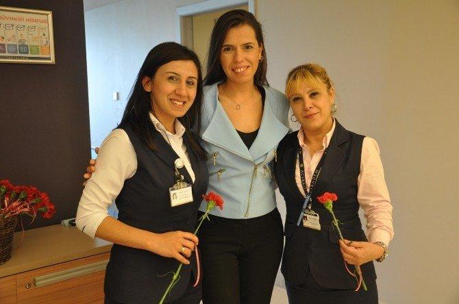 Acıbadem Adana Hastanesi'nde 8 Mart Kadınlar Günü Kutlandı