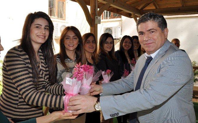Adana Adliyesi'nde 'Kadınlar Günü' Kutlaması
