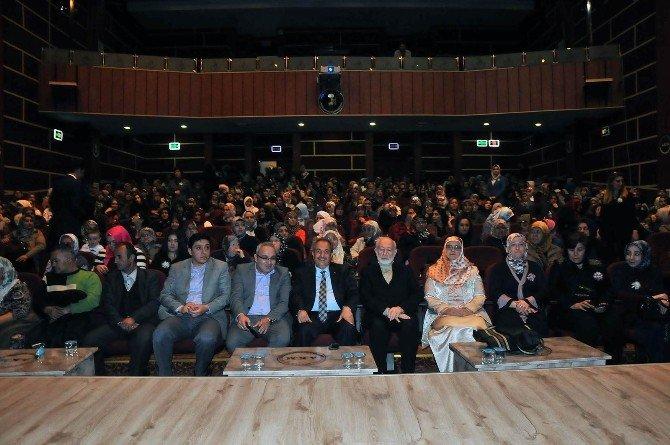 """Akşehir'de """"Huzur Kadının Elinde"""" Konferansı"""