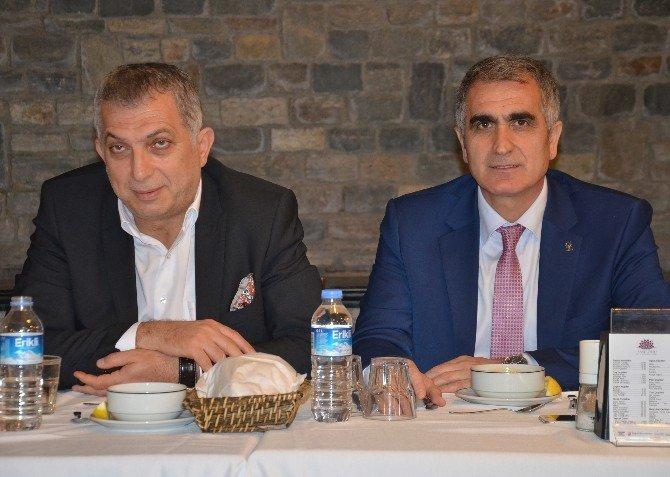 """AK Parti Milletvekili Metin Külünk: """"Türkiye'de Halk Egemen Değildir"""""""