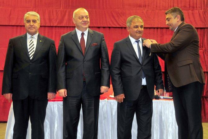 Büyükşehir Belediye Meclisi'nde istifa eden iki meclis üyesi, MHP'ye geçti