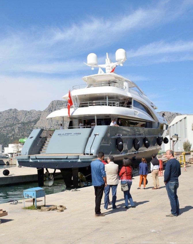 22,5 milyon Euro'luk lüks yat denize indirildi