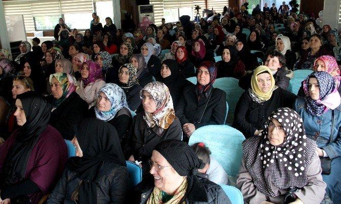 Başakşehirli Kadınlar Panelde Bir Araya Geldi