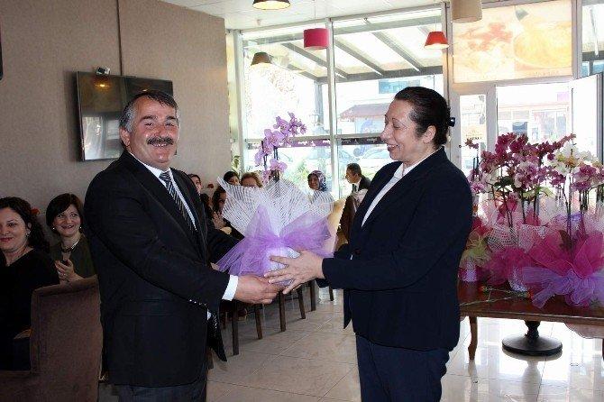 Başkan Karakullukçu, Kadın Personelin Günlerini Kutladı