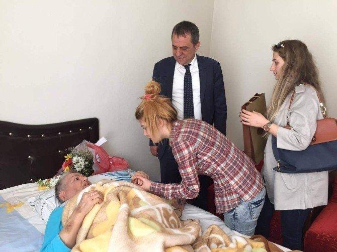 Sağıroğlu'ndan Annelere Sürpriz Ziyaret