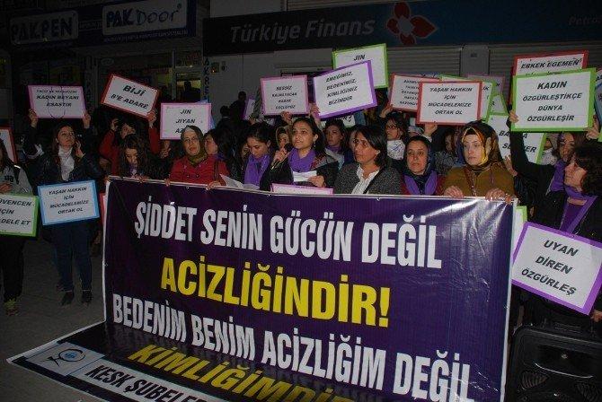 Kadınlar Kadına Şiddeti Protesto Etti