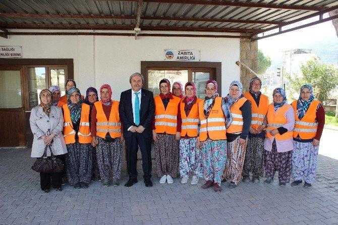 Başkan Şahin, Bayan Personellerin Dünya Kadınlar Gününü Kutladı